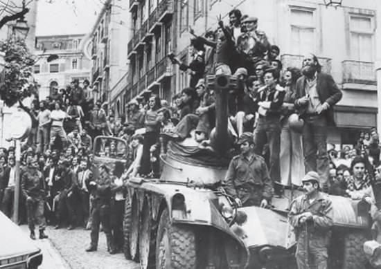 La Revolución de los Claveles cumplió 44 años