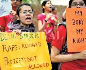 Mujeres protestan en la India por violaciones