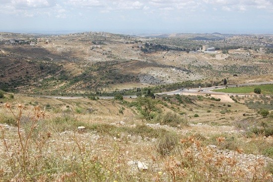 Vista desde el santuario de Al-Qatrawani, una parada del sendero sufí en la aldea cisjordana de Atara. Crédito: Jillian Kestler-DAmours/IPS.