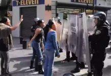 oaxaca-policia-manifestantes