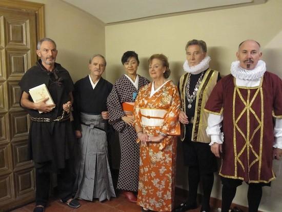 Conrado Gramado, segundo por la izquierda, con el resto del reparto