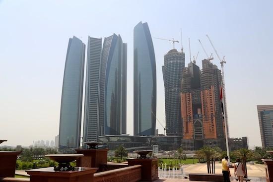 JB-Abu-dhabi-rascacielos