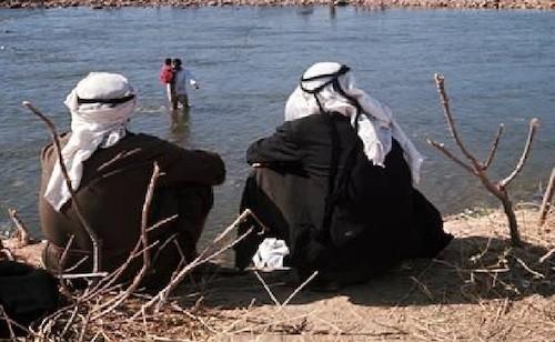Beduinos en la orilla del Jordán