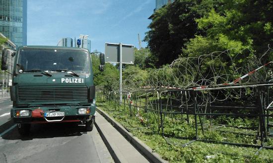 La policía de Frankfurt se las gasta así