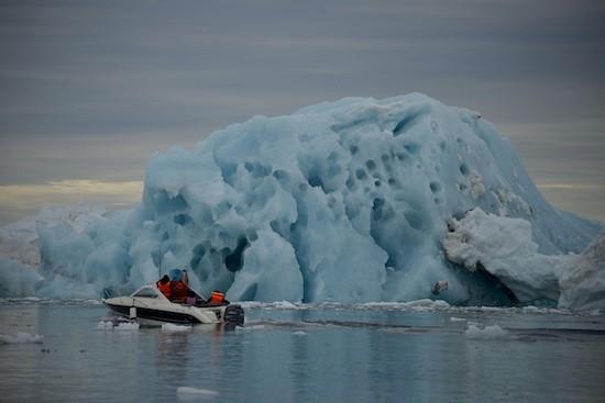 Greenpeace-casquete-polar-artico-lancha-hielo