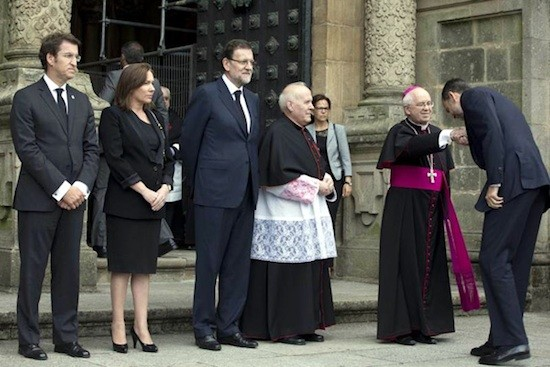felipe-sometido-obispos