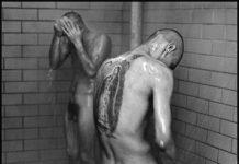 De la serie Conversations with the Dead, 1962 –1966. Gelatina de plata, copia de época, 40 x 50 cm. © Danny Lyon / Magnum Photos, cortesía Edwynn Houk Gallery, Nueva York