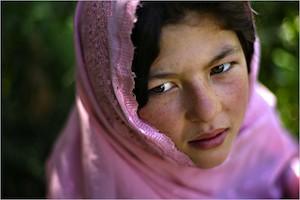 Ghulam Haider. Una infancia truncada por la costumbre inhumana de da niñas en casamiento. (C) Stephanie sinclair. Premio Unicef 2007