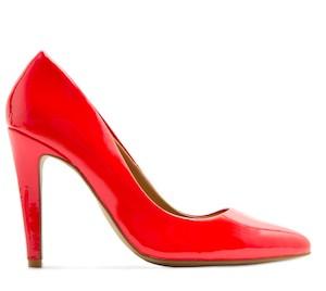 zapatos de charol de tacón (Mango)