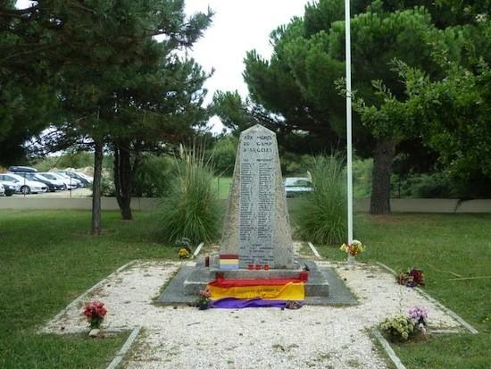 Argeles monolito republicanos Francia: 75 aniversario de La Retirada de los republicanos españoles