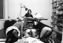 Colita, Jorge Herralde con «sus secretarias» Coral Majó y Anna Bohigas, 1970