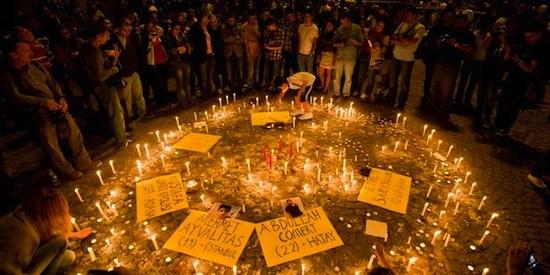 velas por victimas Gezi VGhirda Turquía: policía impune y manifestantes procesados