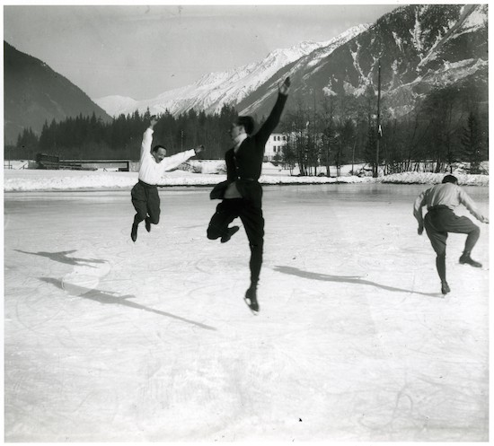 Albert Heïdé, Francis Pigueron y Ostertag. Chamonix, 1918. JH Lartigue. Ministère de la Culture, France. AAJHL. Dichroma Photography