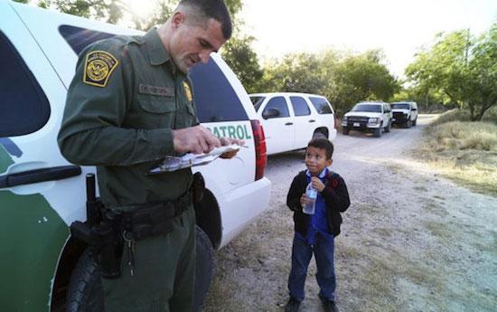 Alejandro en la frontera con Texas. JWhitney