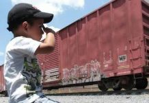 Los migrantes niños son especialmente vulnerables.