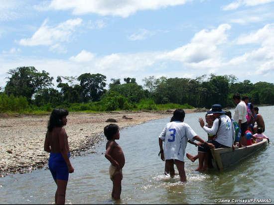 peru mash fenamad 2014 Misioneros adventistas insisten en vestir a los salvajes desnudos