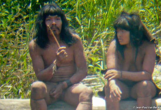 peru mashpi Misioneros adventistas insisten en vestir a los salvajes desnudos