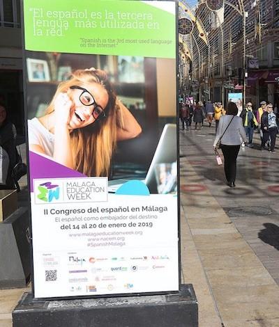 Exposición sobre la importancia del español en el mundo. Málaga, calle Larios, ENE2019