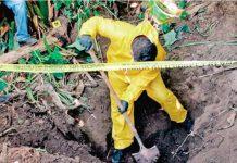 México: investigadores trabajan en una fosa clandestina