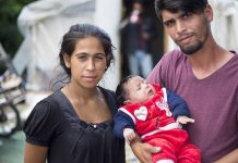 © UNHCR/Roger Arnold Una familia apátrida en Skopje, Macedonia
