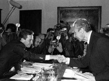 Berlinguer y Moro sellan el acuerdo político