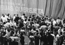 "Cannes 1968: manifestantes impiden que se abra el telón para proyectar ""Peppermint frappé"", de Carlos Saura"