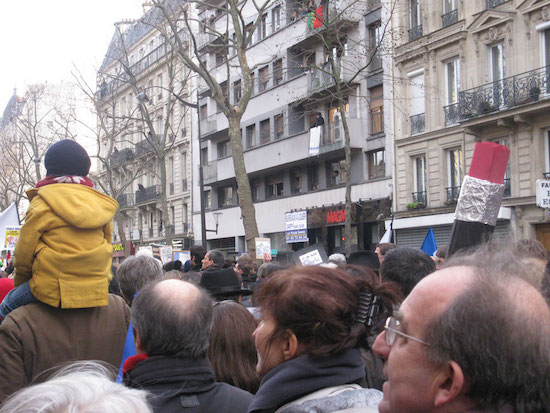 Charlie-Hebdo-Paris-20150111-niños