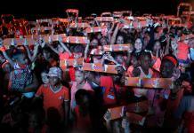 Flash mob Acción por la No violencia de Género, en el Día Internacional para la Eliminación de la Violencia contra las Mujeres, en La Habana, Cuba. Crédito: Jorge Luis Baños/IPS