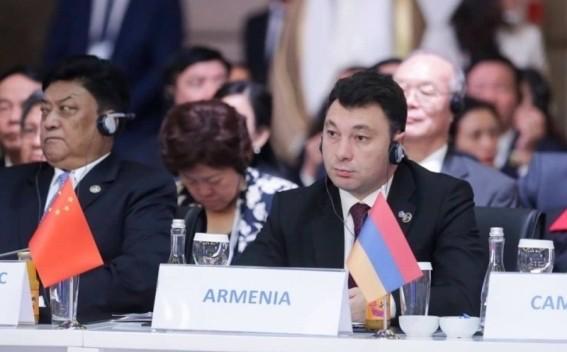 El vicepresidente del Parlamento armenio, Eduard Sharmazanov