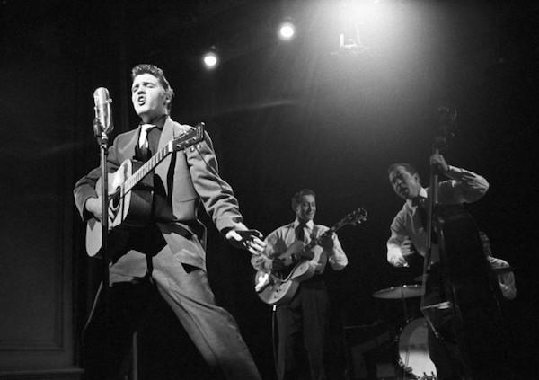Escenas de rnr Elvis