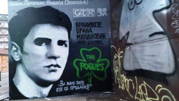 Fresco en homenaje al estudiante Brana Milinovic asesinado por la Policía.