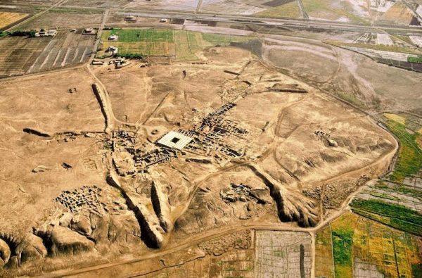 Vista aérea del Palacio de Mari antes de la destrucción