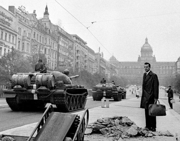 Tanques en las calles de Praga, 21 de agosto de 1968