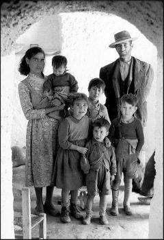 Carlos Saura: Familia de Guadix, Granada, 1956