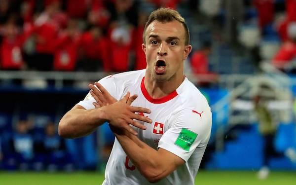Shaquiri hace el gesto del águila tras marcar un gol a Serbia