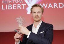 Claas Relotius recoge un premio de periodismo en 2014