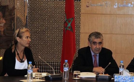 Kerry Kennedy junto con el presidente marroquí del Consejo Nacional de Derechos Humanos, Driss El Yazami, en su visita a Rabat en 2012