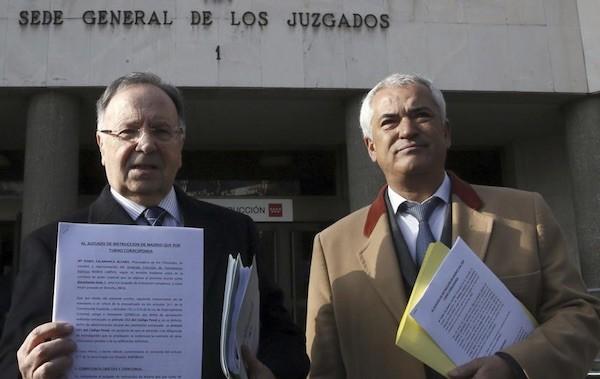 Los presidentes de Manos Limpias, Miguel Bernard (izq.), y el presidente de Ausbanc, Luis Pineda