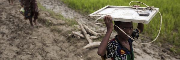 Menores rohinyás escapan solos para buscar refugio en Bangladesh