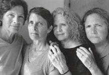 Nixon: Las hermanas Brown en 2016. Copia en gelatina de plata. 45,4 x 57,1 cm.
