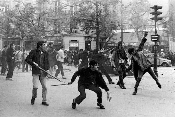 Protestas-Paris-1968-Bruno-Barbey-Magnum